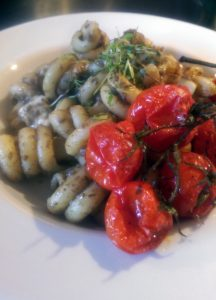 pasta-black-olive-tapenade-and-roasted-tomatoes-6150.jpg