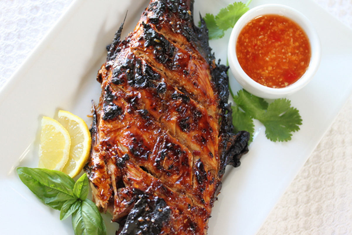 Grilled whole red snapper recipes for Grilled white fish recipes