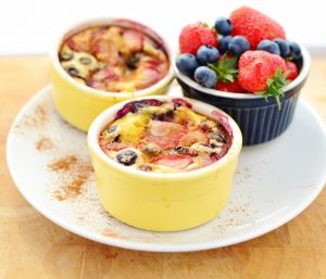 breakfast-egg-quinoa-with-summer-berries-6604.jpg