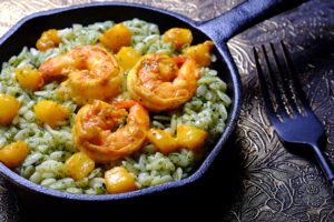 Pesto Risoni with Mango-Curry Shrimps
